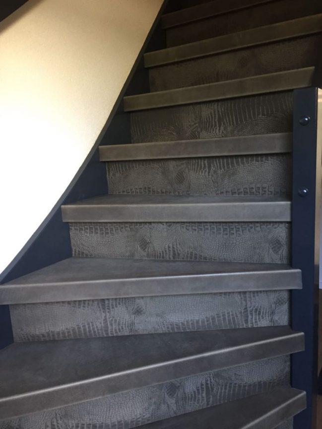 Pdecor-leren-trap-van-VICstairs-768x1024